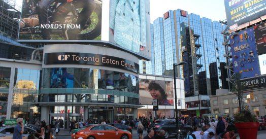 Eaton Centre na Yonge-Dundas Square