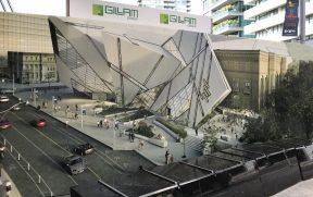 O prédio do ROM é meio moderno e meio clássico