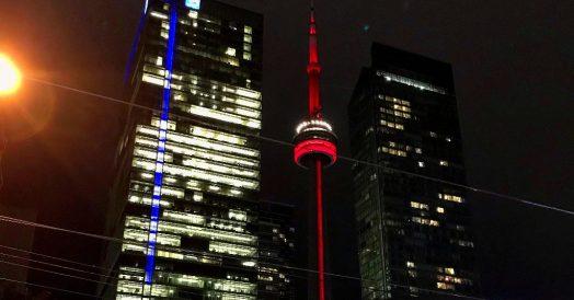 CN Tower à noite