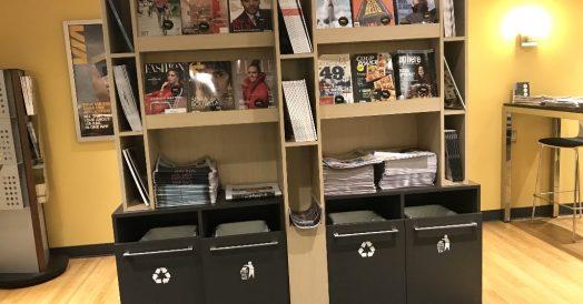 Há revistas e jornais disponíveis
