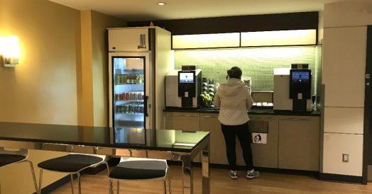 Há também café, refrigerante, chá, chocolate quente...