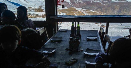 Almoço com Vista da Cordilheira dos Andes
