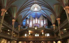 Detalhes neogóticos de Notre-Dame de Montreal
