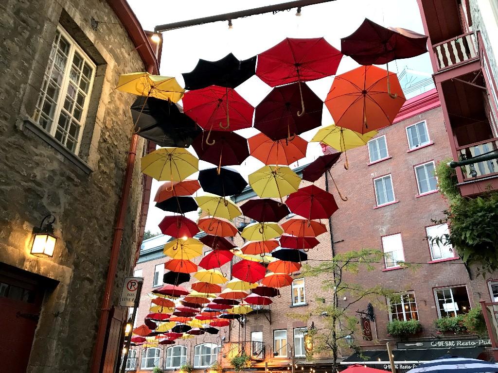 Rua dos Guarda-Chuvas em Quebec