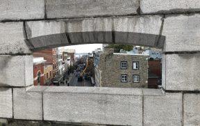 Pode-se andar em cima da antiga muralha de Quebec