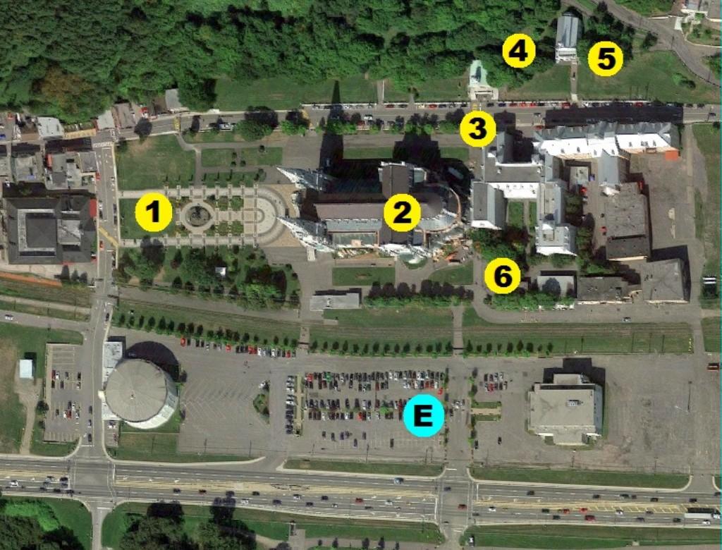 O que fazer no Santuário Sainte-Anne-de-Beaupré (E = Estacionamento)