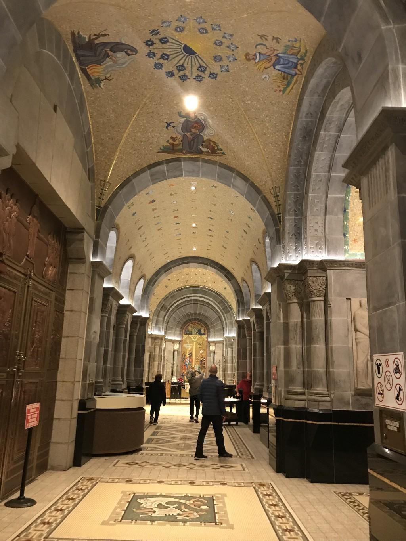 Vestíbulo da Basílica Sainte-Anne-de-Beaupré