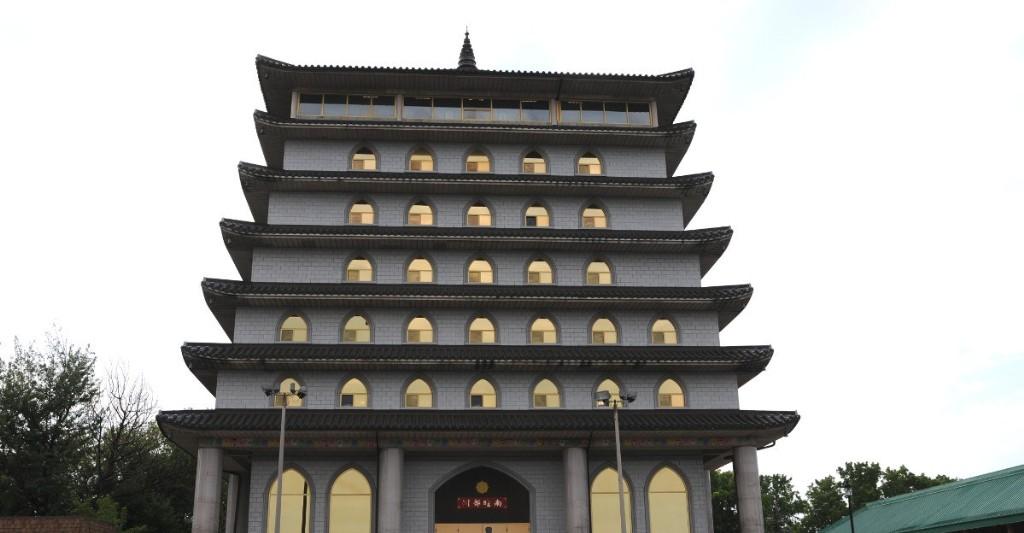 Ten Thousand Buddhas Niagara Falls