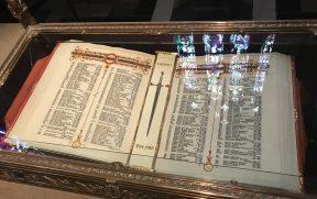 Um dos livros da Memorial Chamber