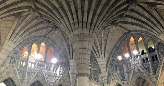 Detalhes góticos do Parlamento em Ottawa