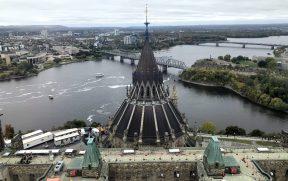 O topo da Biblioteca, Rio Ottawa e Gatineau