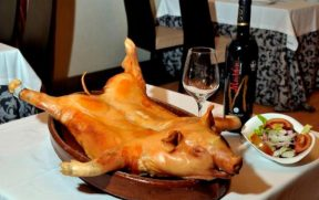 Cochinillo - prato títpico de Segóvia