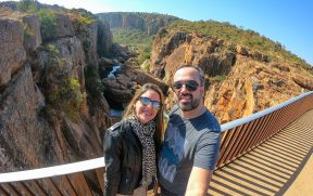 Casal no Bourke's Luck Potholes