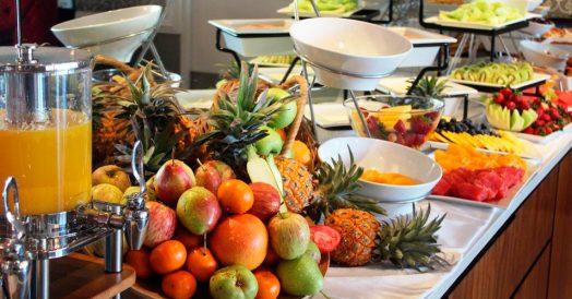 Café da Manhã Repleto de Frutas