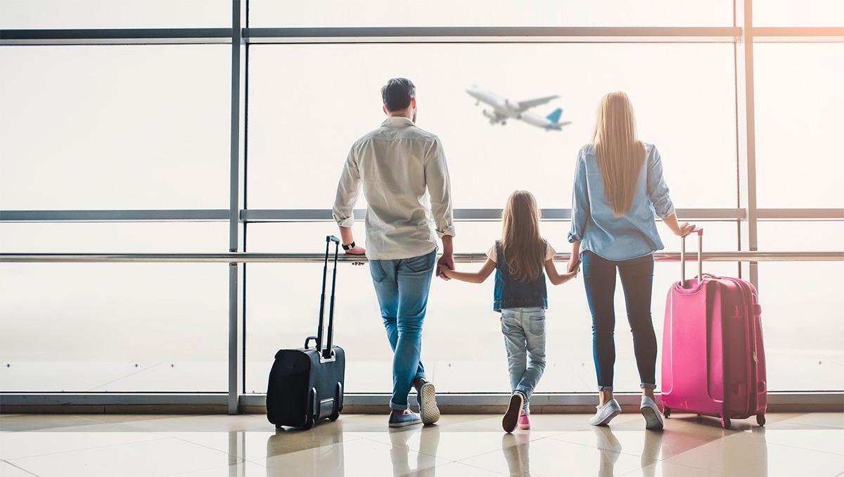 Família viajando para a Europa
