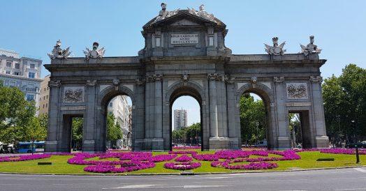 Ponto turístico em Madrid: Puerta de Alcalá