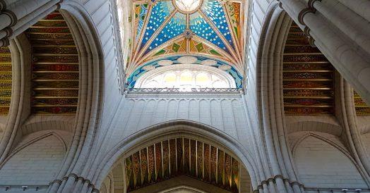 Detalhe do teto da Catedral de Almudena