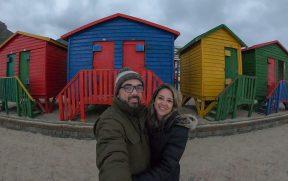 Selfie com as casinhas coloridas em Muizenberg Beach