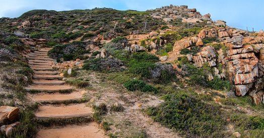 Escadas para subir nas rochas