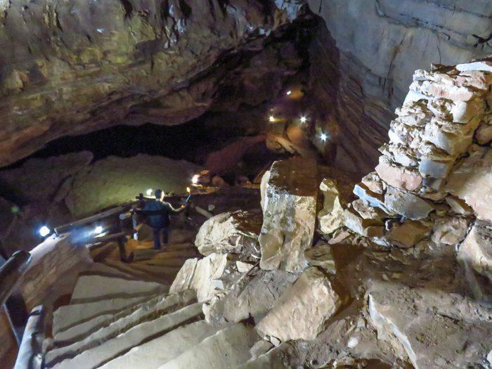 Escadas de entrada da Madonna Cave