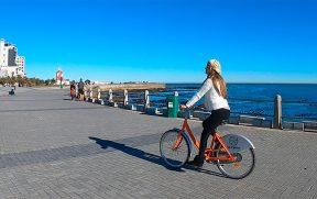 Andando de bicicleta em Sea Point