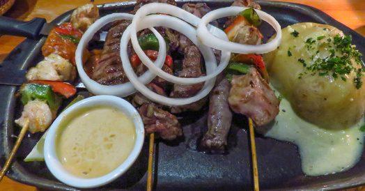 Carnes exóticas do restaurante Mama Africa