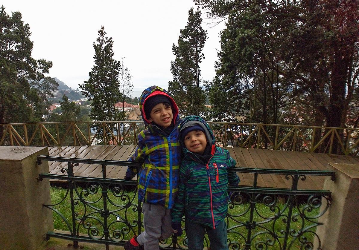 Crianças no Monte Canvario