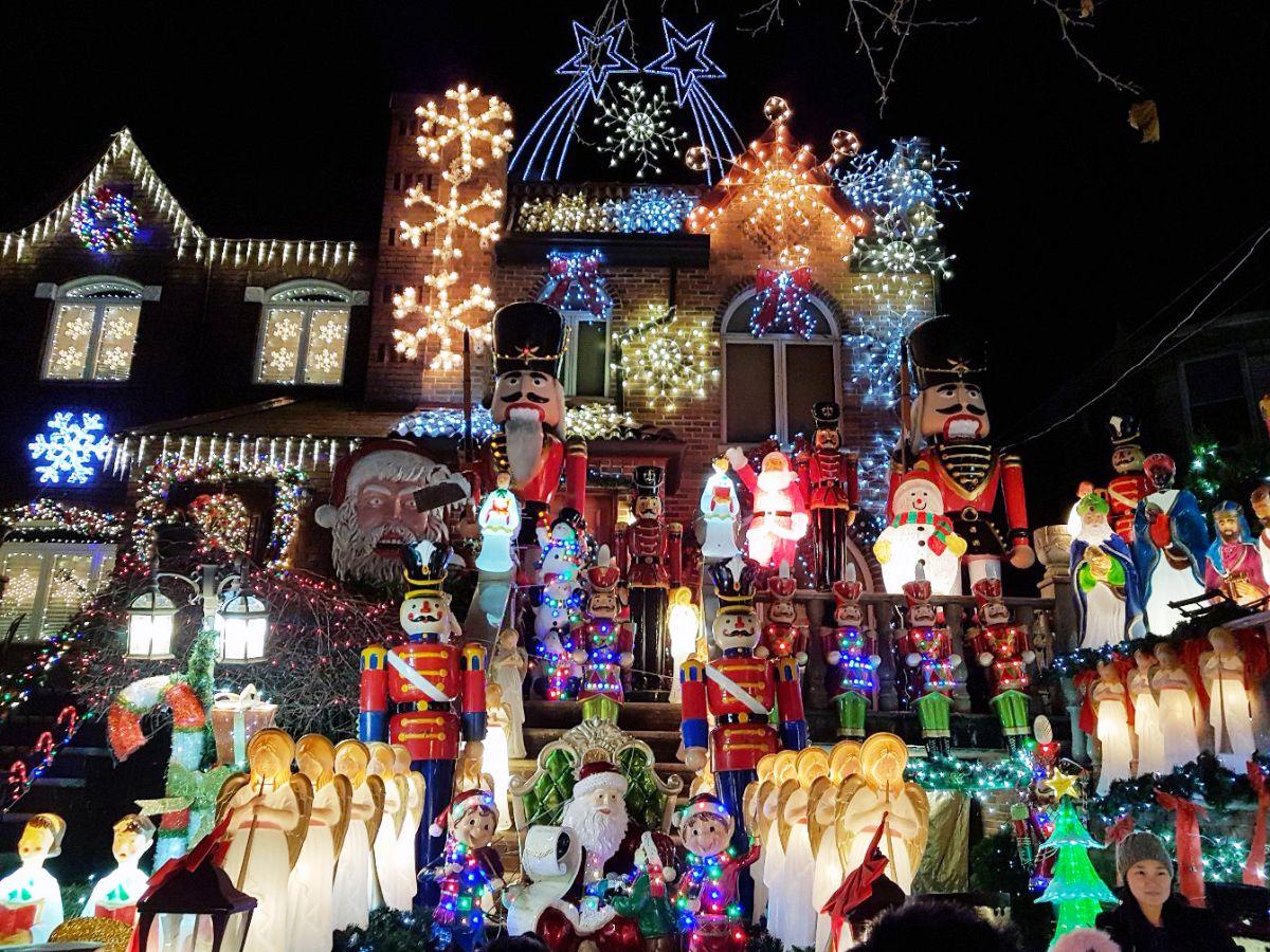 Decoração de Natal das casas do Dycker Heights