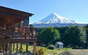 Restaurante com vista para o vulcão Osorno