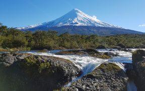 Saltos del Petrohué e vulcão Osorno