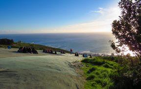 Pessoas vendo o pôr do Sol em Signal Hill