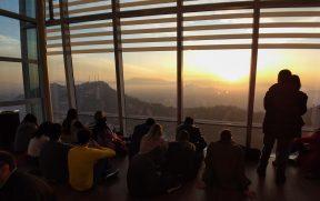Pôr do Sol em Santiago no Sky Costanera