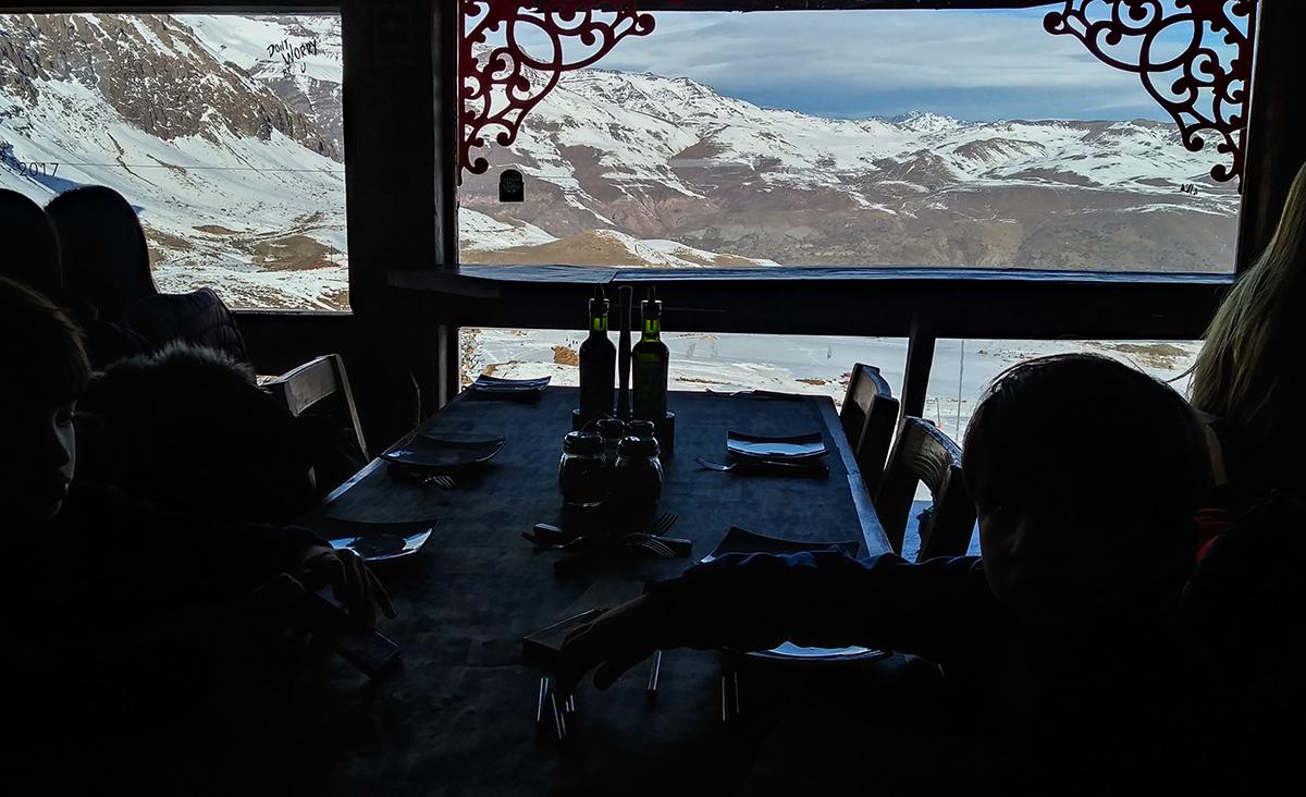 Vista do restaurante em Farellones