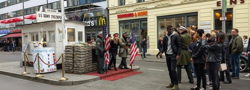 O que fazer em Berlim: Checkpoint Charlie