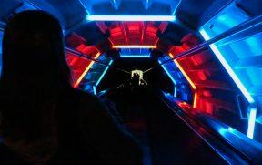 Escadas rolantes no interior do Atomium