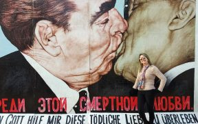 Famoso grafite em East Side Gallery