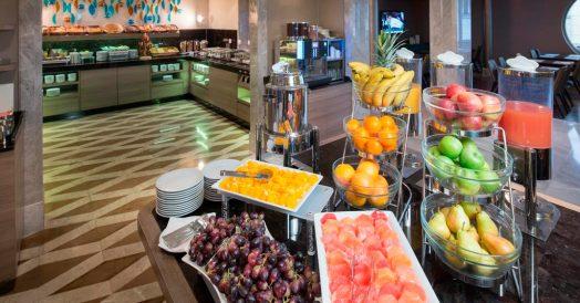 Café da manhã no TITANIC Comfort Mitte